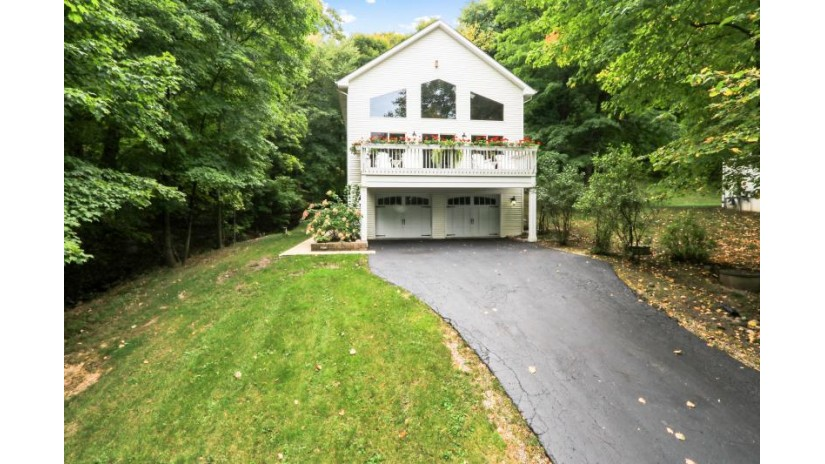 W4433 Basswood Dr Linn, WI 53147 by Keefe Real Estate, Inc. $799,900