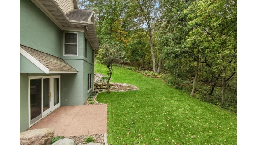 701 Country Club Ln Onalaska, WI 54650-7702 by Coldwell Banker River Valley, REALTORS $745,000