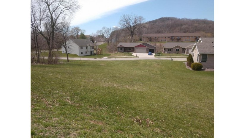5540 Orion Ct La Crosse, WI 54601-1703 by RE/MAX Results $39,500