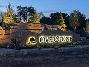 20082 Overstone Dr 39-2, Lannon, WI 53046