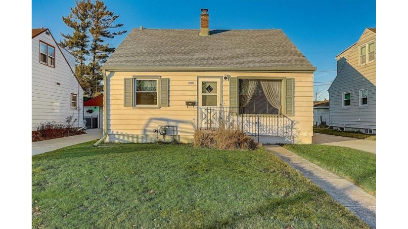 1310 Blake Ave South Milwaukee, WI 53172-3522 by RE/MAX Realty 100 $150,000