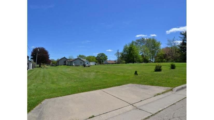 3127 98th St Sturtevant, WI 53177-2628 by RE/MAX Newport Elite $37,900