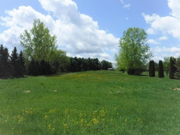 LT5 E Gate Dr, Watertown, WI 53094-9725