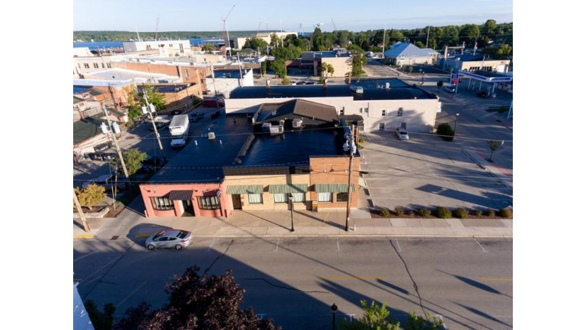 101 N 4th Ave Sturgeon Bay, WI 54235 by Harbour Real Estate Group Llc $1,400,000