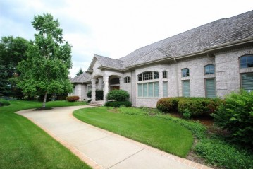 2387 Lost Dauphin Road, Lawrence, WI 54115-9165
