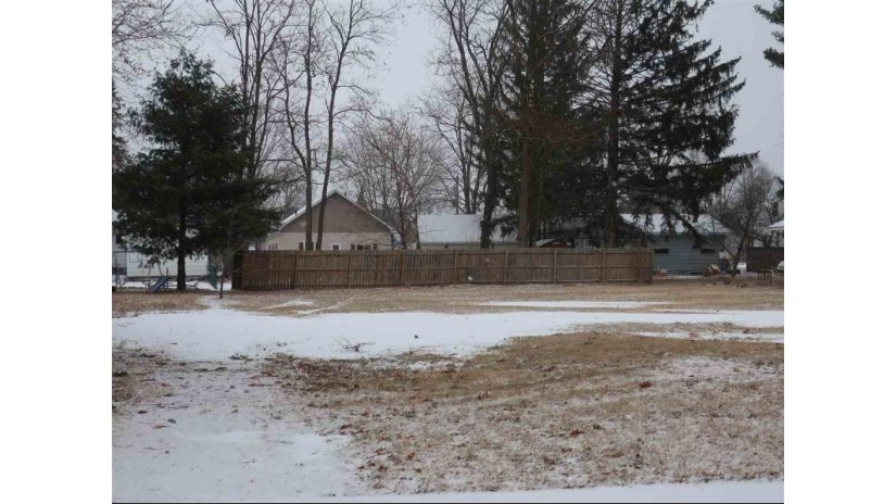 144 E Mt Morris Avenue Wautoma, WI 54982 by Keller Williams Fox Cities $12,000