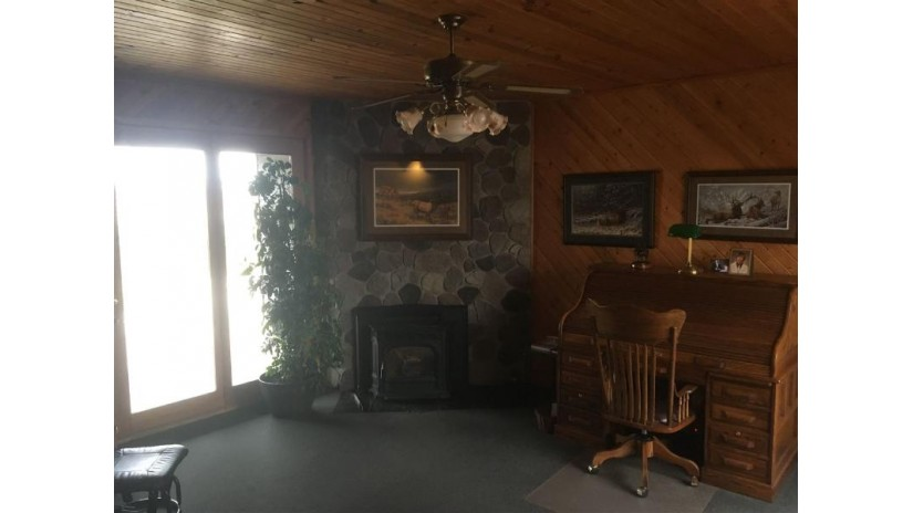 W3003 Chicago Road Redgranite, WI 54970 by Diamond Real Estate $699,900
