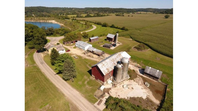 4264 N Birch Tr Cross Plains, WI 53528 by First Weber Inc $6,500,000