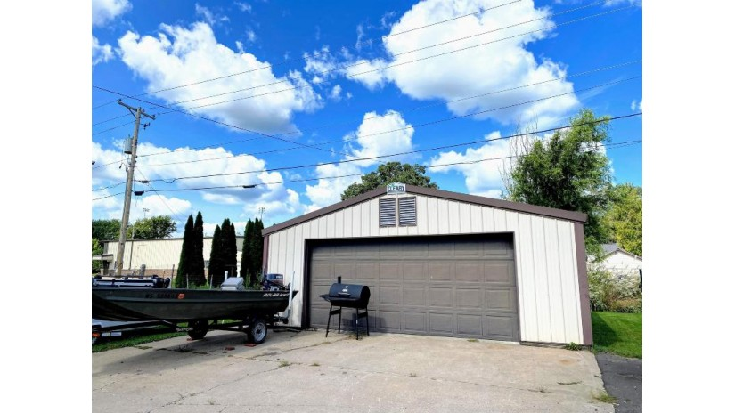 105 W Guard St Wauzeka, WI 53826 by Re/Max Ridge-N-River $139,900