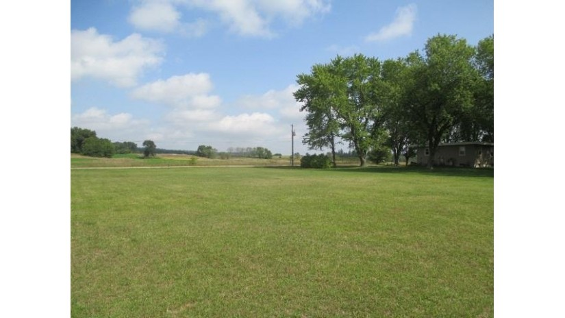 L3 N Reedsburg Rd Excelsior, WI 53959 by Gavin Brothers Auctioneers Llc $35,000