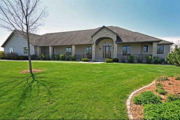 6085 Purcell Rd, Oregon, WI 53575