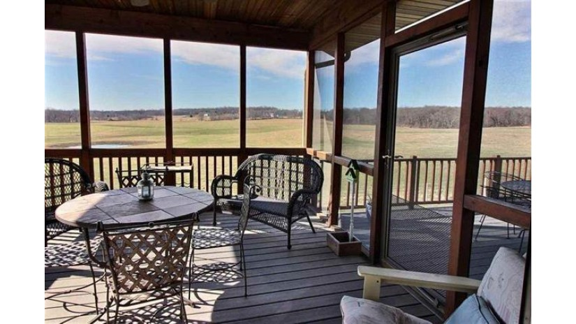 6085 Purcell Rd Oregon, WI 53575 by Re/Max Preferred $1,760,000