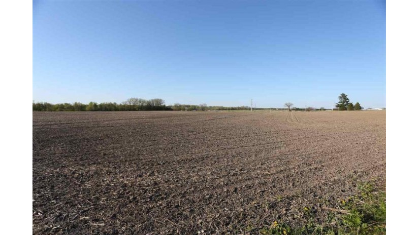 43.69 Hwy 16 Columbus, WI 53925 by Turning Point Realty $951,400