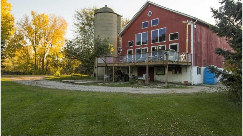 5770 Kumbier Rd Utica, WI 54964 by Special Properties Of Green Lake Llc $8,000,000