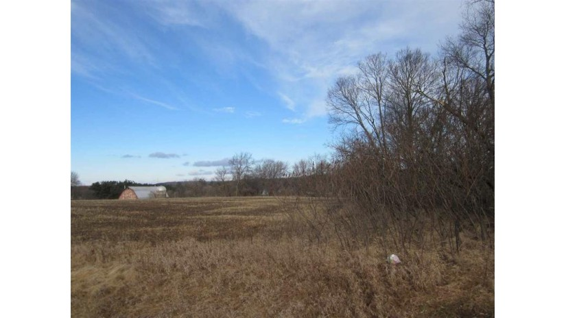 L45 Hazel Cir Excelsior, WI 53959 by Evergreen Realty Inc $24,990