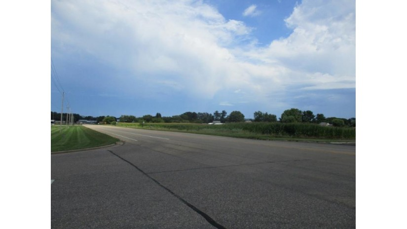 851 S Albert Ave Reedsburg, WI 53959 by First Weber Inc $675,000
