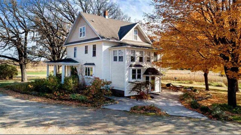 N9268 County Road M Rosendale, WI 54964 by Special Properties Of Green Lake Llc $920,000