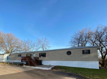 601 N Main St 43, Fall River, WI 53932