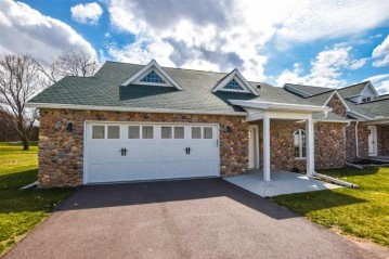 469 Golf Hill Ct, Green Lake, WI 54941