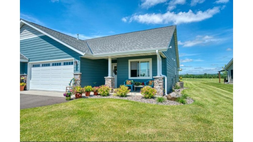646 Kreekview Dr Osceola, WI 54020 by Edina Realty, Inc. $275,000