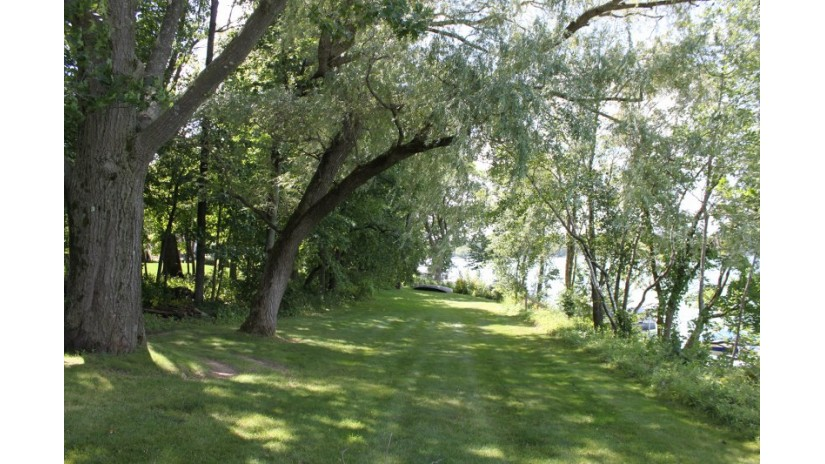 Lt3 Lagoon Ln West Bend, WI 53095 by Shorewest Realtors $1,400,000