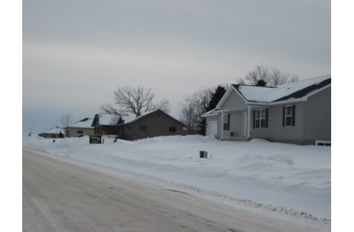400 Hollander St, Markesan, WI 53946