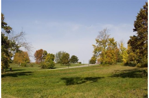 L6 Arbor Ridge Way, Janesville, WI 53548