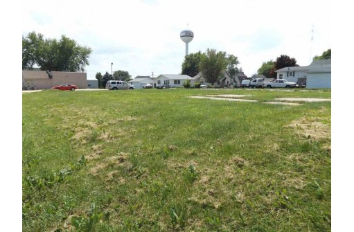 480 Lincoln Ave, Fennimore, WI 53809