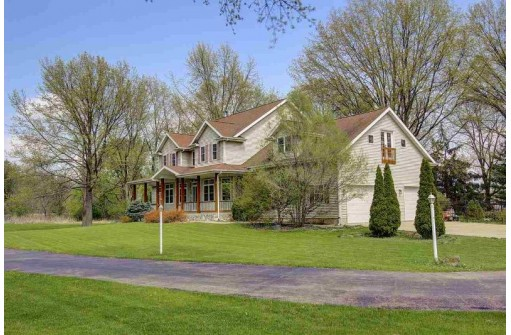 5121 Hill Top Rd, Fitchburg, WI 53711