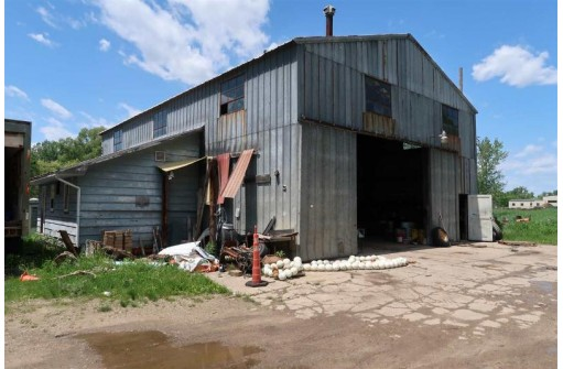 N5944 Lake Steel St, Green Lake, WI 54941