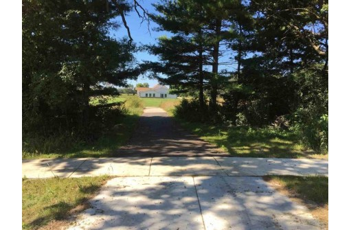 449 Kassander Way, Oregon, WI 53575