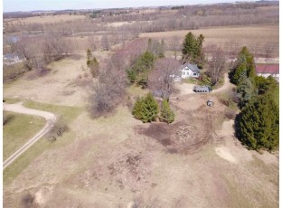 L2 Meadow View Ln DeForest, WI 53532