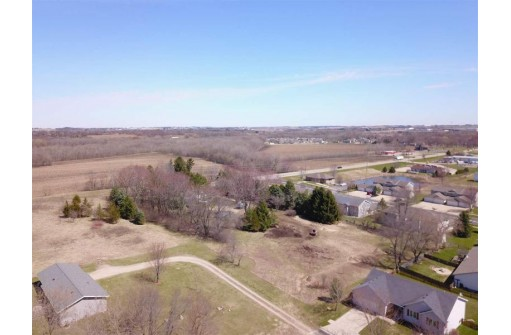 L2 Meadow View Ln, DeForest, WI 53532