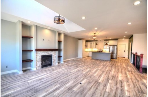 6284 Stone Gate Dr, Madison, WI 53719