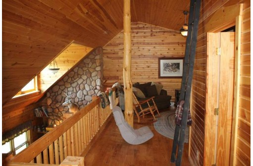 N6256 9th Dr, Westfield, WI 53964