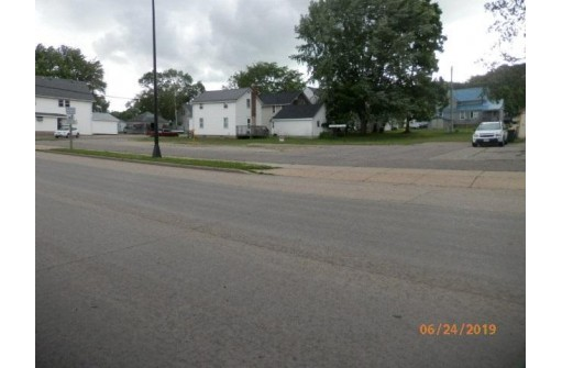 865 N Main St, Richland Center, WI 53581