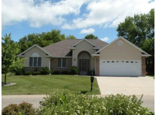 687 Kensington Dr Ripon, WI 54971