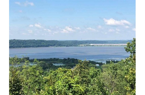 L11 Bluff Hollow Tr, Hazel Green, WI 53811-0000