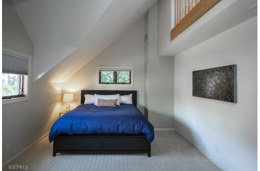 30 E Johnson St, Madison, WI 53703