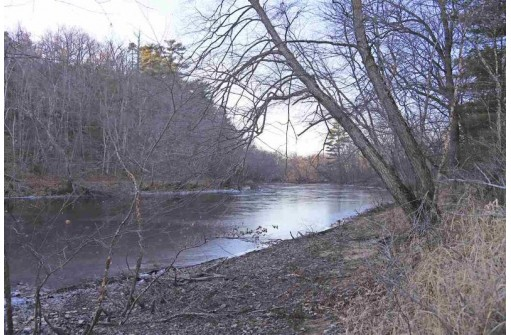 102 Ac 49th St, Mauston, WI 53948