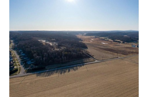 L45 Rocky Bluff Ct, Cross Plains, WI 53528