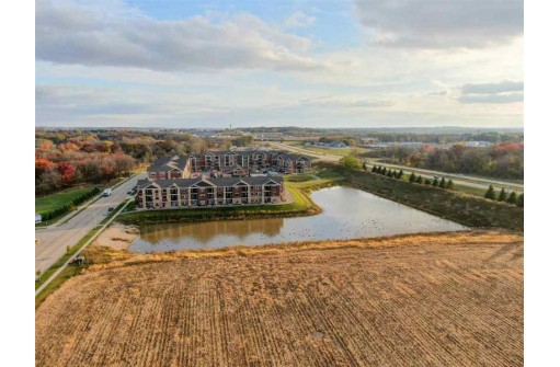 4130 Savannah Dr, DeForest, WI 53532