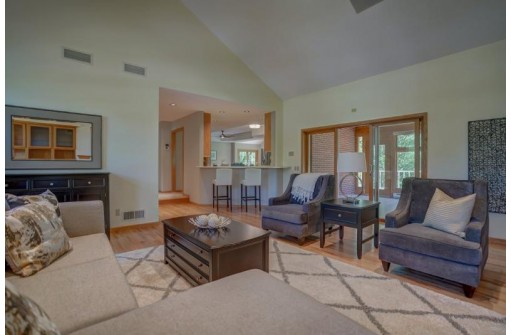 6 Gray Fox Cir, Madison, WI 53717