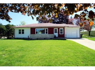 806 N Main St Lake Mills, WI 53551