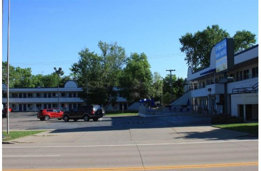 715 Broadway, Wisconsin Dells, WI 53965