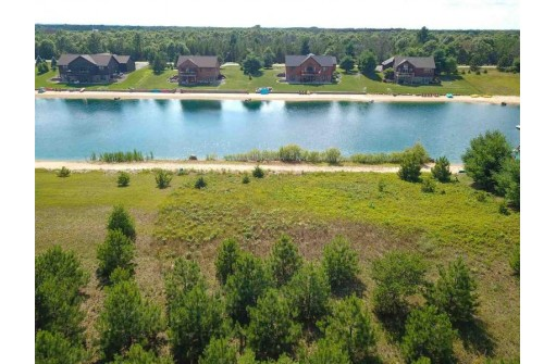 N7653 S Stone Gate Dr, New Lisbon, WI 53950