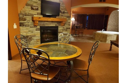 2411 River Rd 2432, Wisconsin Dells, WI 53965