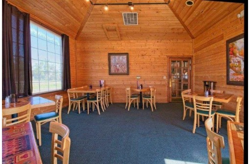 2711 County Road Cx, Portage, WI 53901