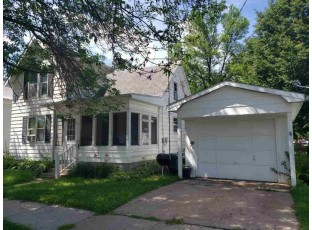 107 S Oak St North Freedom, WI 53951