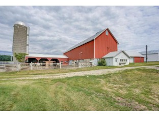 5827 County Road P Cross Plains, WI 53528